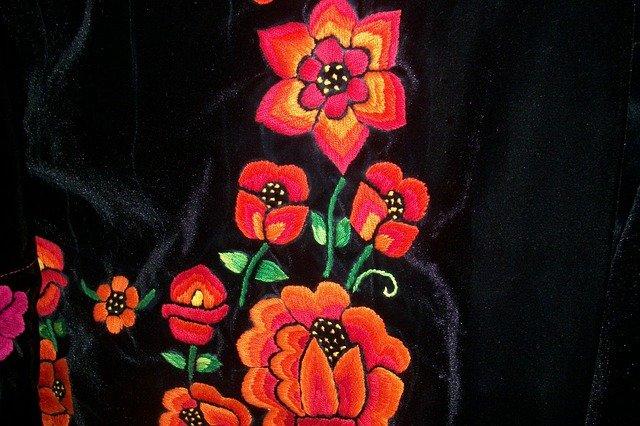 květinová výšivka