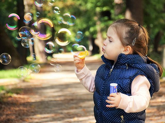 dělat bubliny