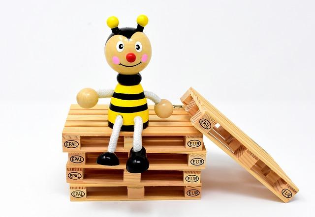 včela na paletách.jpg